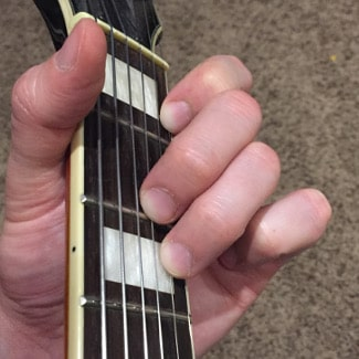 D Minor Chord Picture
